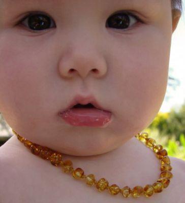 ambre-bebe-dent